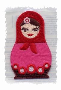 Folkore - Matroesjka rood  7 x 4,3 cm