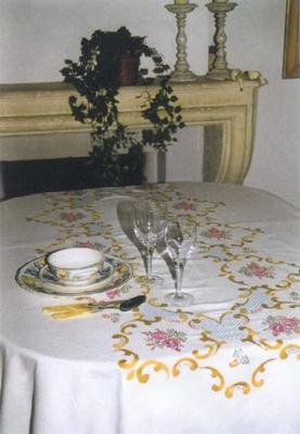 Tafellaken - Roos, rood-goud  140 x 170 cm