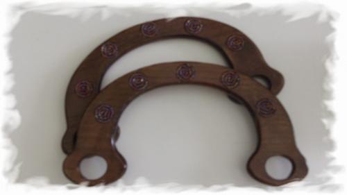 Tasbeugel, met kraaltjes ingelegd - hout  19 cm